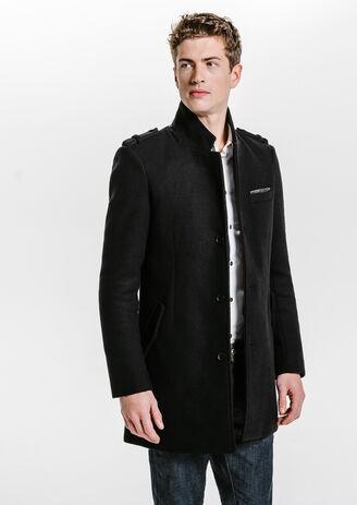 Zwarte wollen mantel