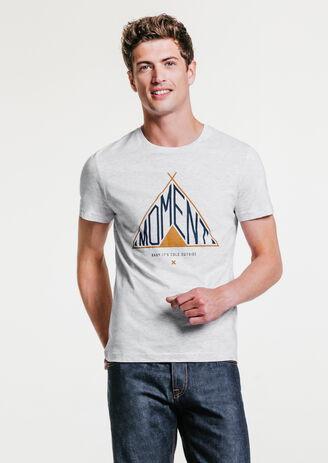 Tee shirt motif tipi