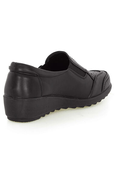 Cushion Walk Stud Fasten Slip On Shoe