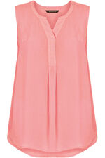 Sleeveless Crepe Blouse