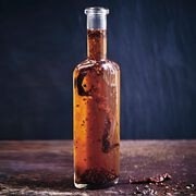 Cocoa chilli oil, , hi-res