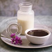 Chocolate balsamic dipping sauce, , hi-res