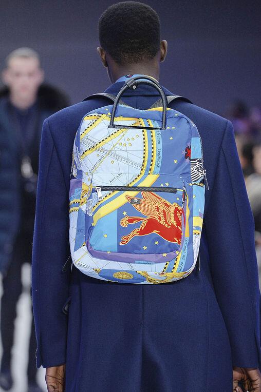 LOOK 24 Fashion Show Fall Winter