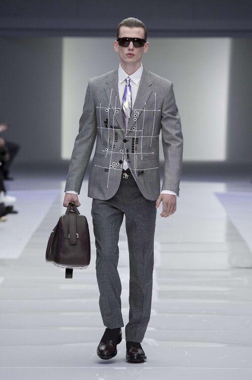 LOOK 3 Fashion Show Fall Winter