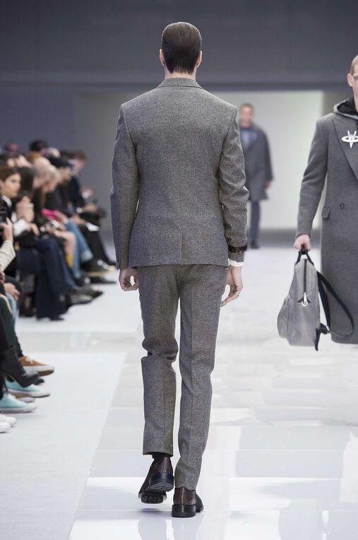 LOOK 2 Fashion Show Fall Winter