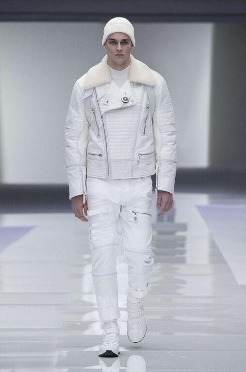 LOOK 17 Fashion Show Fall Winter