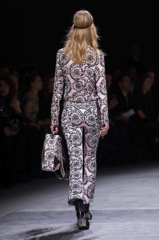 LOOK 38 Fashion Show Fall Winter