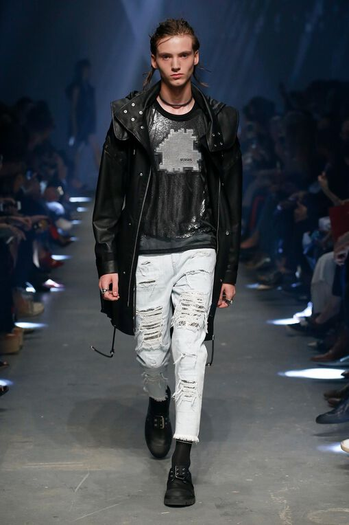 LOOK 38 Fashion Show Spring Summer