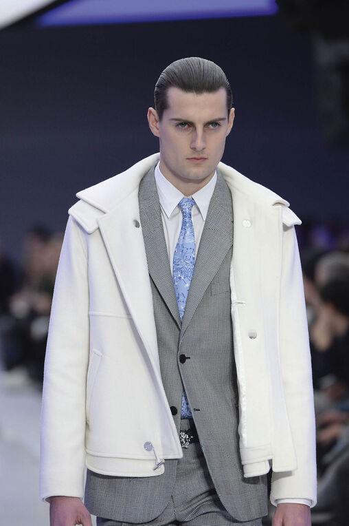 LOOK 5 Fashion Show Fall Winter