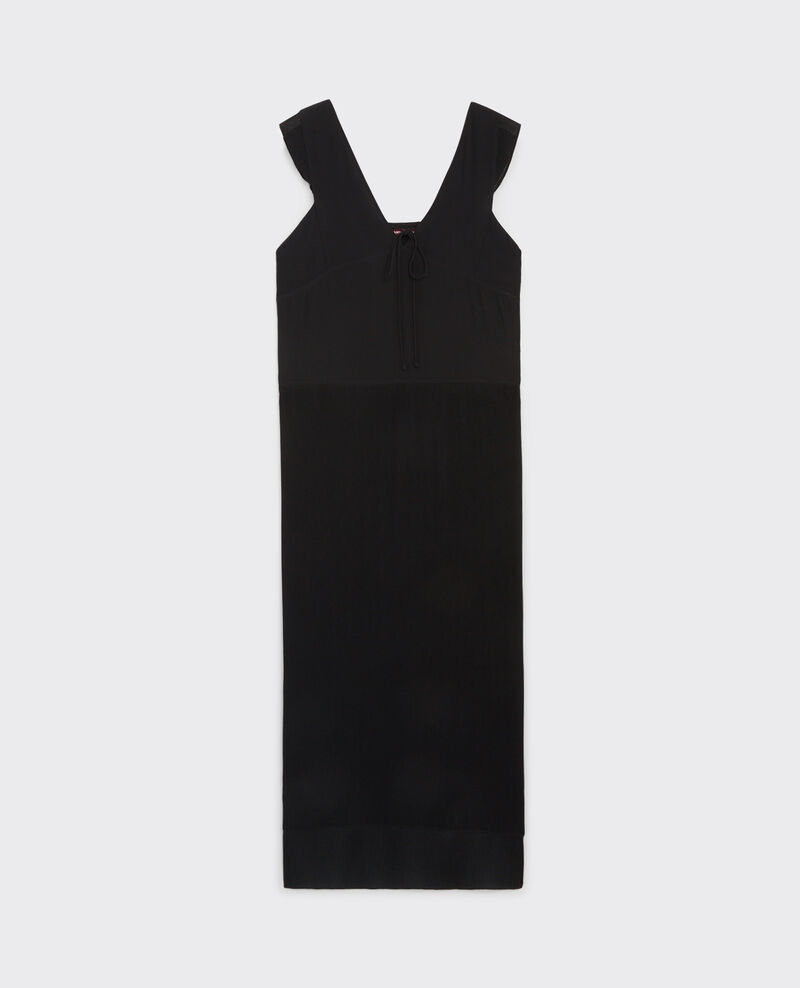 Vestido largo con detalles de volantes y plisados Noir Caoki
