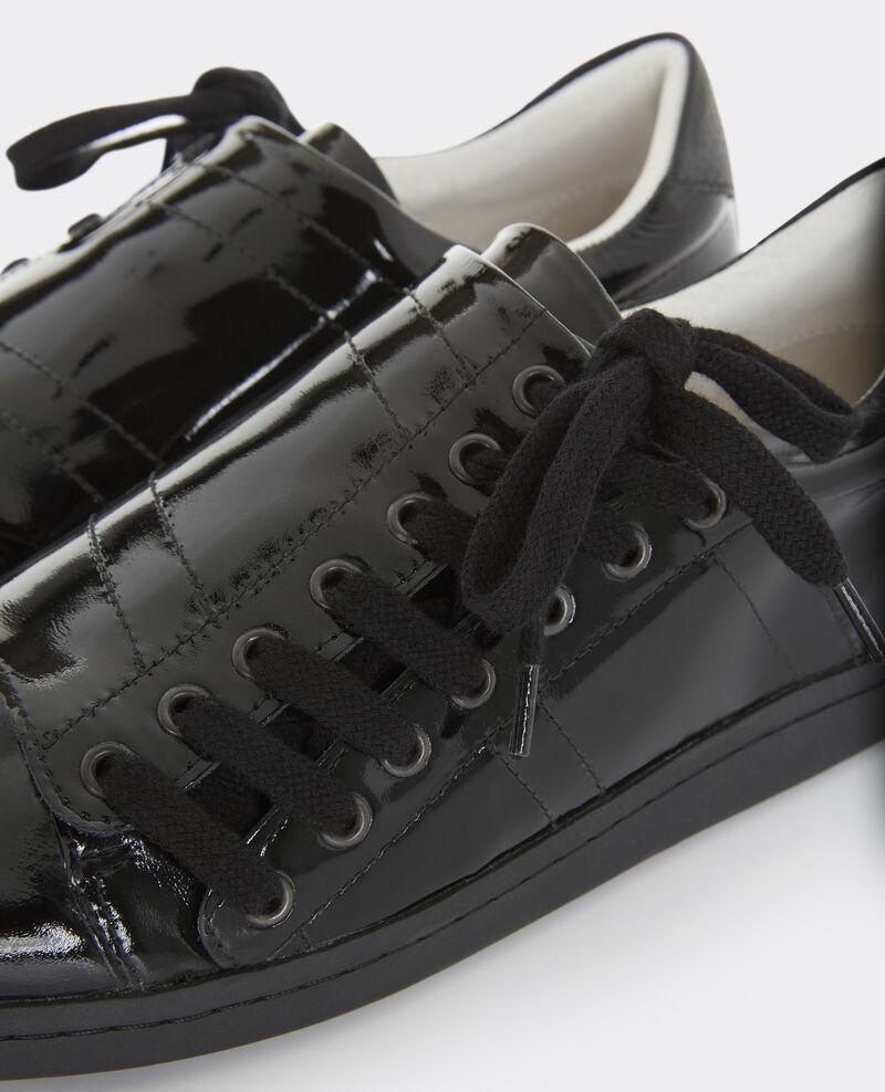 sneakers slash en cuir noir basket comptoir des cotonniers. Black Bedroom Furniture Sets. Home Design Ideas