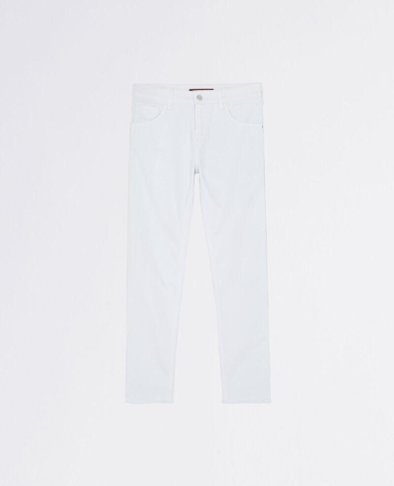 "Tomboyish ""Garçon manqué"" boyfriend jeans with frayed hem Off white Camina"