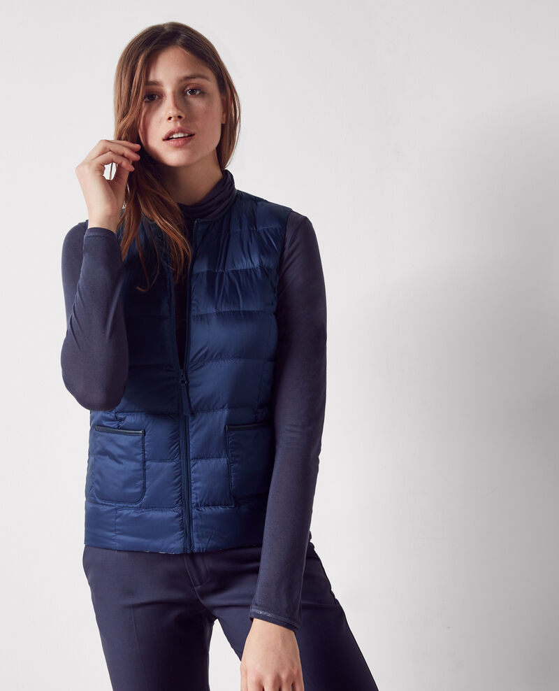 Pocketable sleeveless puffer jacket with detachable hood Indigo/off white Castoche