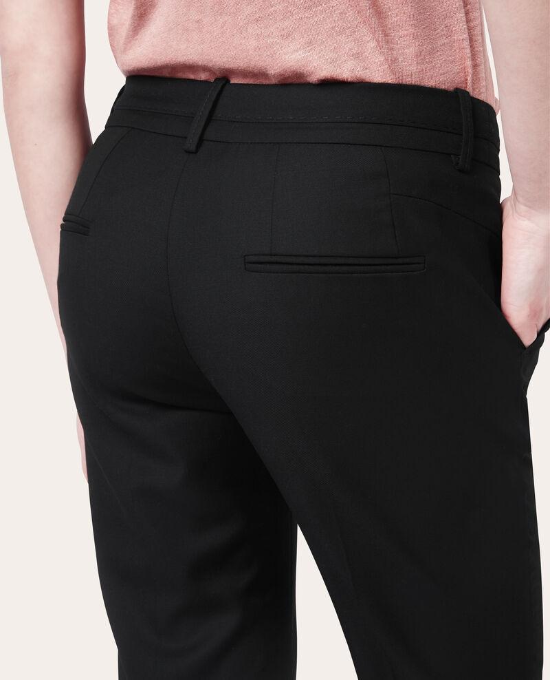 Pantalón de lana Noir Vrikala