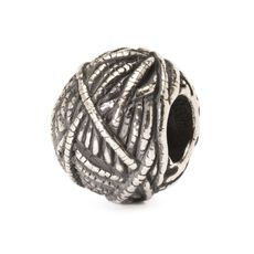 Ball of Yarn Bead