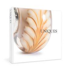 Uniques Book - English