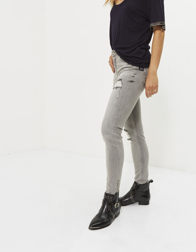 Women's destroy slim jeans