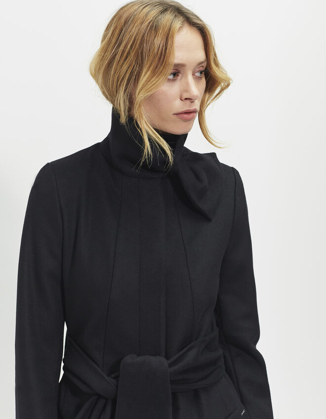 manteau long noir femme ikks mode archive h16 automne hiver. Black Bedroom Furniture Sets. Home Design Ideas