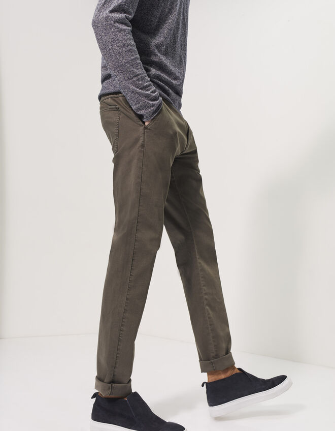 Men's tapered khaki trousers