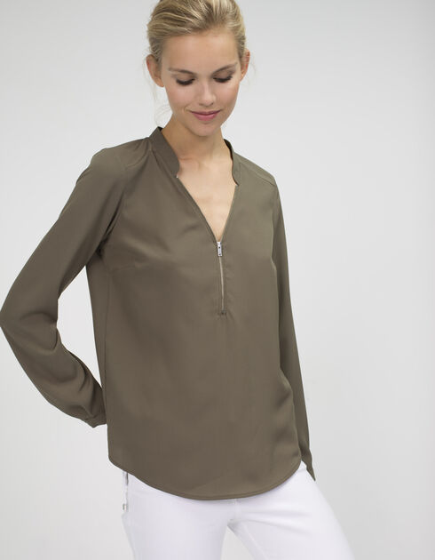 Blouse with zip collar