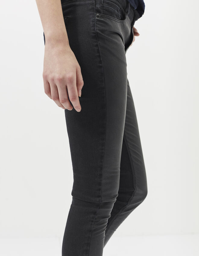 Women's black skinny jeans