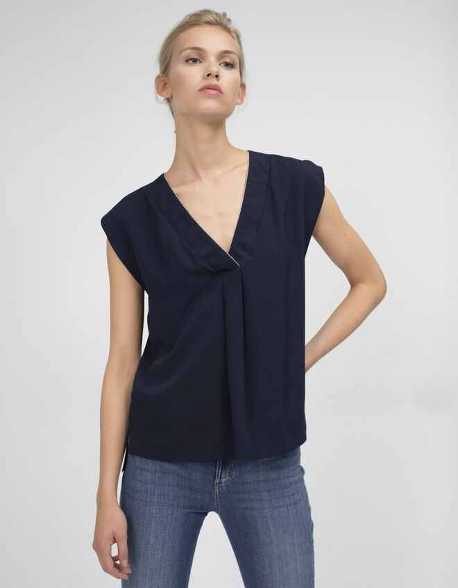 Women's blouse with beads