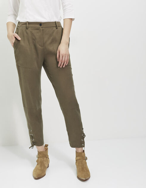 Women's laced trousers