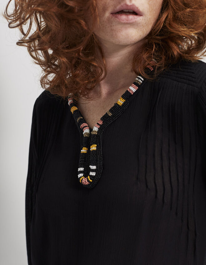 Women's beaded-collar blouse