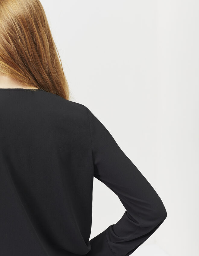 Women's black crêpe blouse