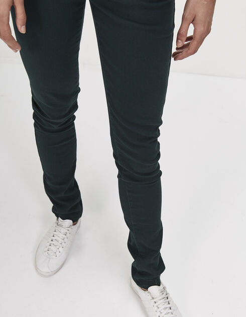Slim-fit green jeans