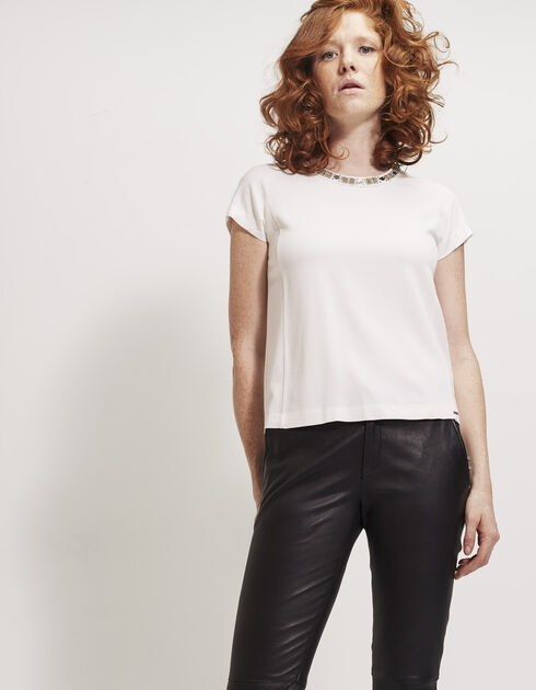 Women's top with jewel neckline
