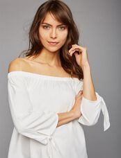 Isabella Oliver Caiti Off The Shoulder Maternity Top, White