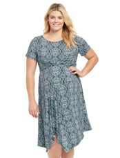 Plus Size Uneven Hem Maternity Dress, Geo Print