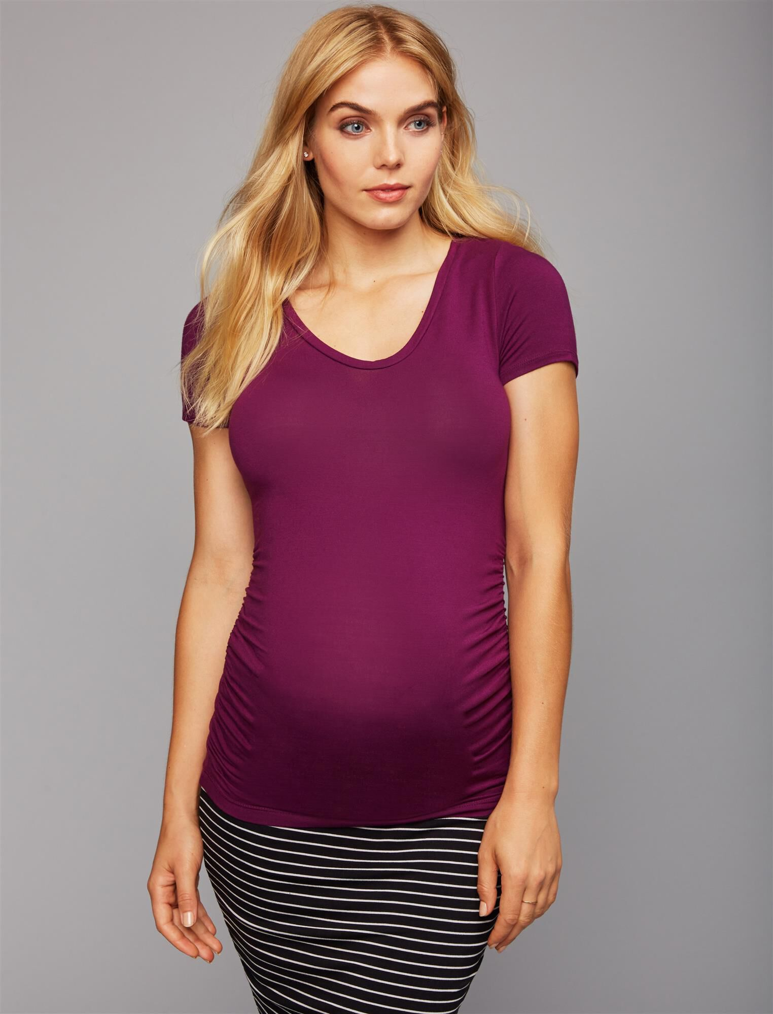 V Scoop Neck Side Ruched Maternity Tee- Solid