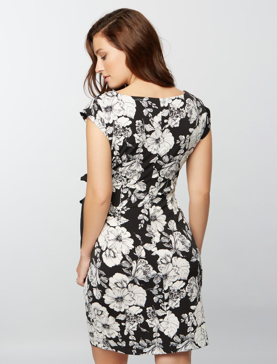 Taylor side tie maternity dress blackwhite floral a pea in the taylor side tie maternity dress blackwhite floral blackwhite floral ombrellifo Choice Image