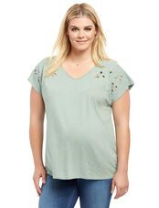 Plus Size Leaf Cutout Maternity Shirt, Green Bay