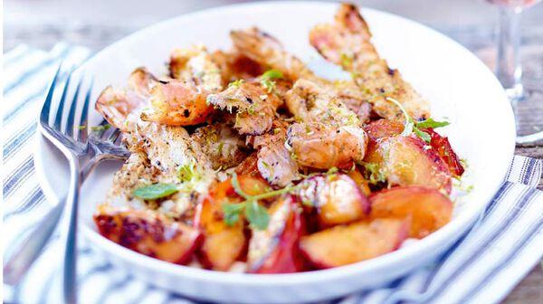 Langoustines aux épices, nectarines grillées