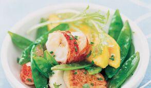 Salade de Saint-Jacques et de homard aux herbes