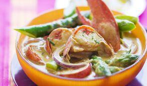 Curry doux de homard et d'asperges