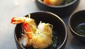 Queues de crevettes tropicales crues d cortiqu es cocktail surgel s les poissons - Accompagnement gambas grillees ...