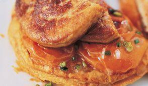 Tartelettes fines aux abricots et foie gras