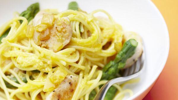 Carbonara au poulet et aux asperges