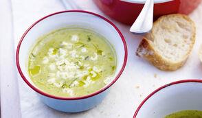 Soupe de courgettes, fenouil et menthe, pâtes alphabet