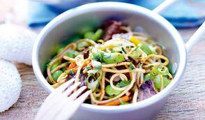 Salade de bœuf aux nouilles chinoises