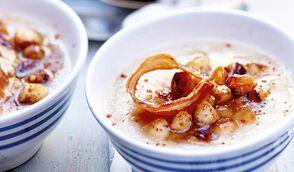 Crème de chou-fleur aux Saint-Jacques et lard à la bretonne