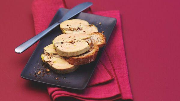 Foie gras aux cèpes et noisettes
