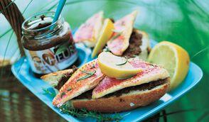 Tartines de rouget, olives et safran
