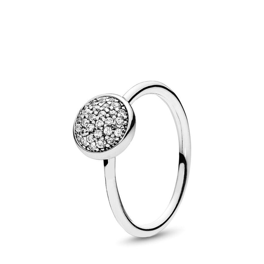 Artikel klicken und genauer betrachten! - Pandora Ringe 191009CZ-52 - 34 Cubic Zirkonia in Pavé-Fassung lassen diesen Sterling-Silber Ring zu einem glänzenden Highlight werden. Inspiriert von den Lichteffekten eines Wassertropfens wirkt dieses auffällige Design am besten in Kombination mit anderen Tröpfchen-Ringen. - 191009CZ-52 Pandora Ringe | im Online Shop kaufen