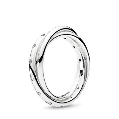 Verschlungene Symetrie Ring
