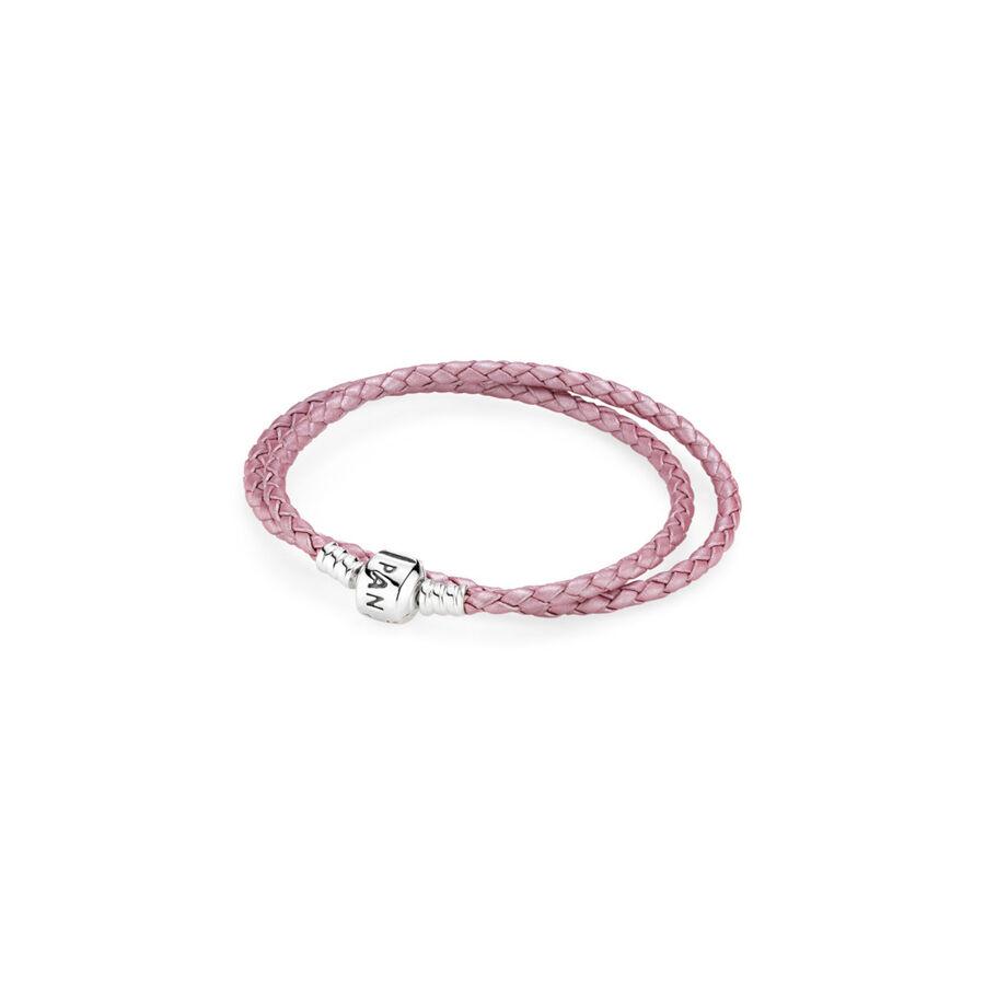 Artikel klicken und genauer betrachten! - Pandora Armbänder 590705CMP-D1 - Das klassische PANDORA Lederarmband ist die ideale Basis für deine ganz persönliche Charms-Kollektion. Das Charms-Armband aus doppelt gewickeltem, rosafarbenem Leder mit einem Verschluss aus Sterling-Silber bringt deine Lieblings-Charms perfekt zur Geltung. Ob solo getragen oder mit deinen Charms verziert, das doppelt gewickelte, geflochtene PANDORA-Armband macht an deinem Handgelenk eine gute Figur. - 590705CMP-D1 Pandora Armbänder | im Online Shop kaufen
